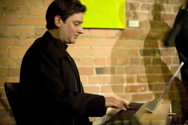 DAVE RESTIVO - keyboard