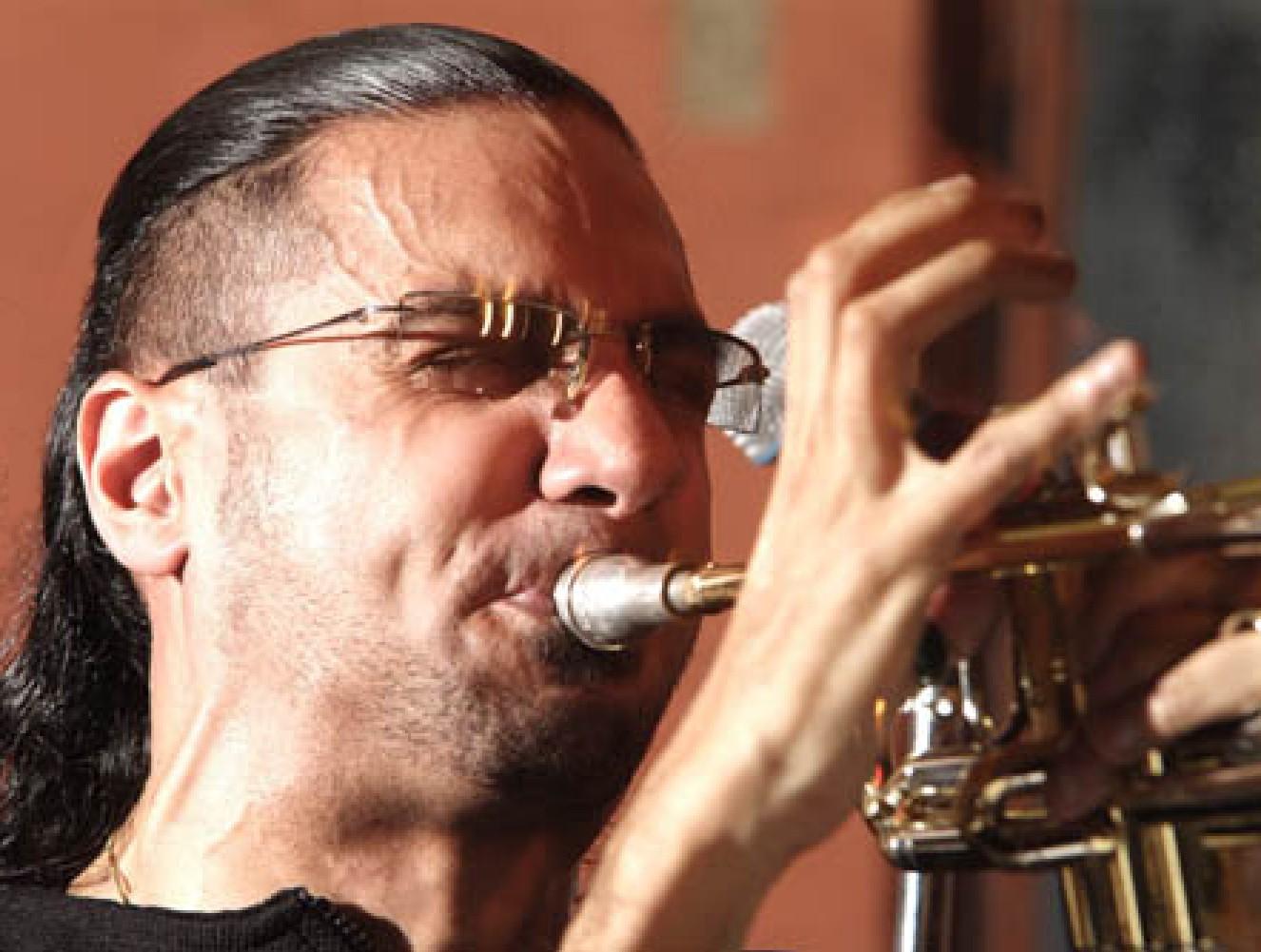 Brownman diggin' in at Toronto's Rex Jazz Club